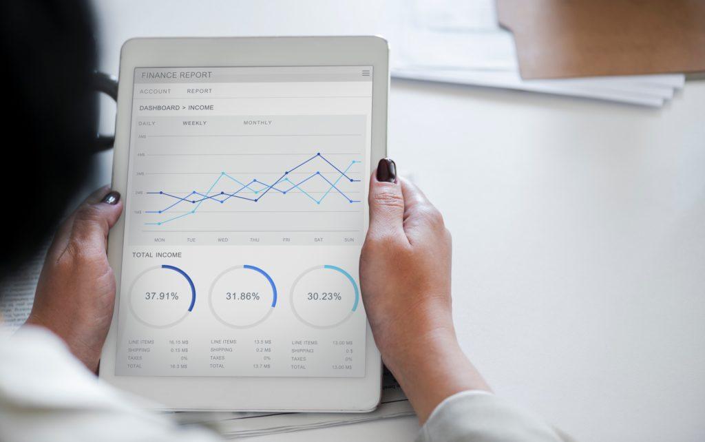 Der Mitarbeiterassistent ermöglicht z.B. in Meeting schnellen Zugriff auf benötigte Daten und Informationen.
